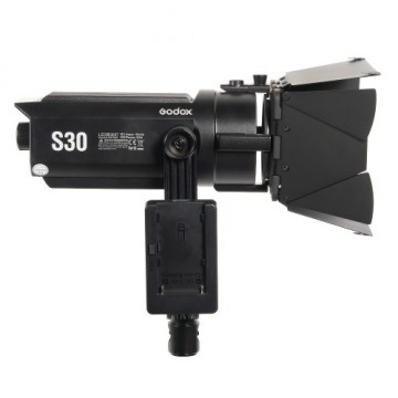 Светодиодный LED осветитель Godox S30 фокусируемый